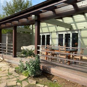 Timber House: porch